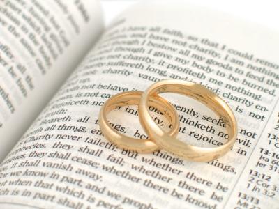 http://setimodia.files.wordpress.com/2010/11/77-dicas-para-um-casamento-feliz.jpg